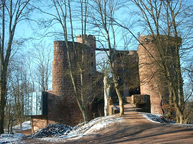 Burg Montclair im Winter 2003